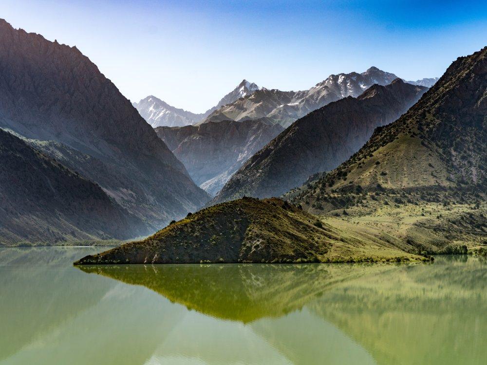 Iskanderkul Landschaft Berge und See