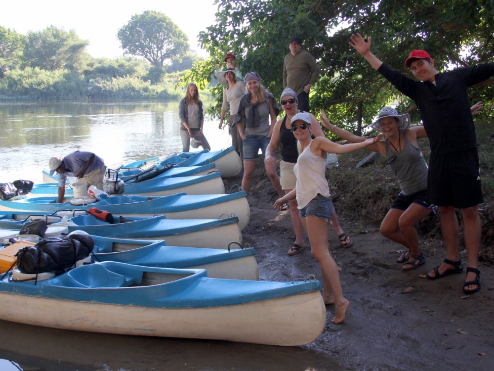 118U10016_Drifters_Zambezi Canoe