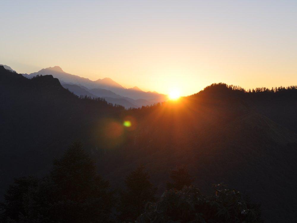 Traumhafter Sonnenaufgang über dem Annapurna Massiv