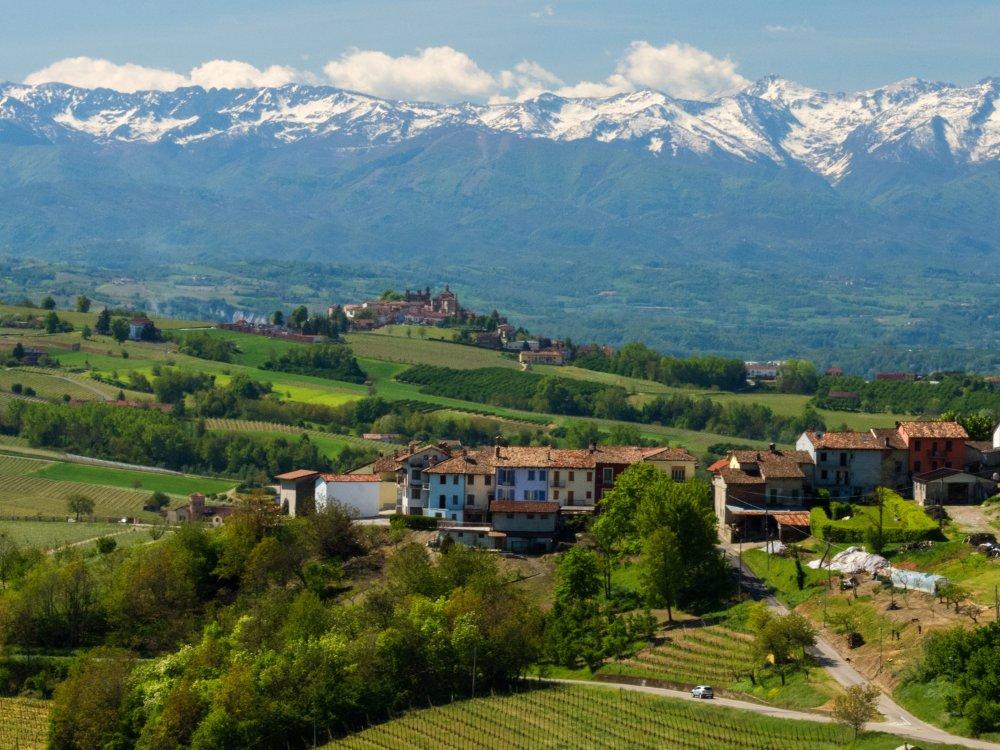La Morra Region Langhe im Piemont