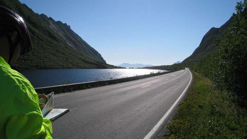 Radtour von Svolvaer nach Kabelvag und Henningsvaer