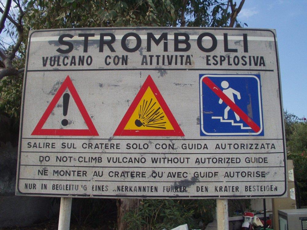 Warnschild am Stromboli