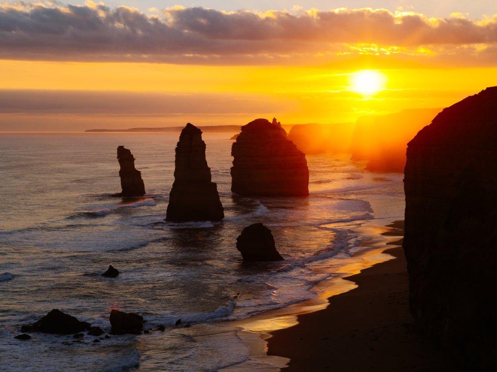 12 Apostel bei Sonnenuntergang