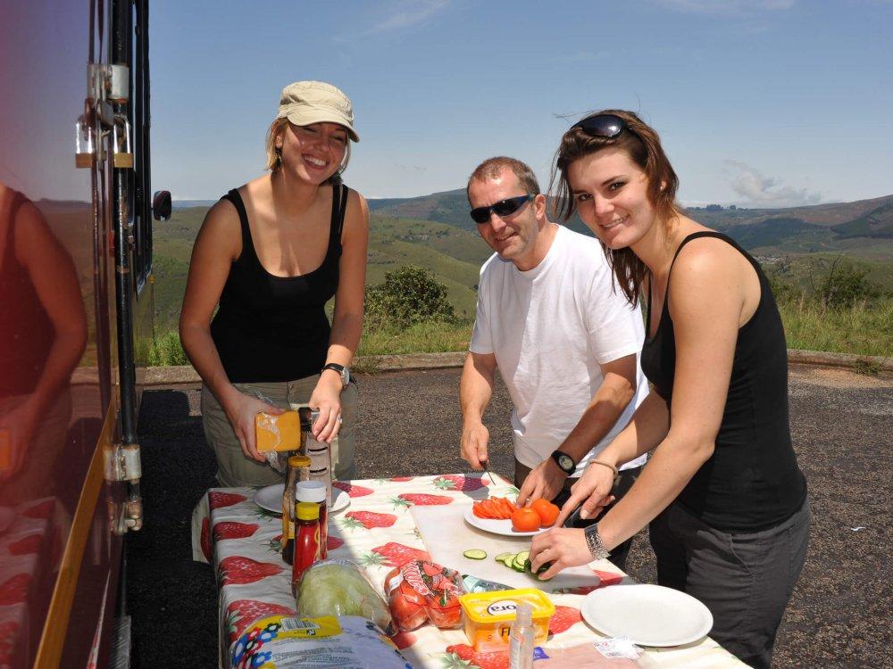 Picknick am Sunway Overlandtruck in Südafrika