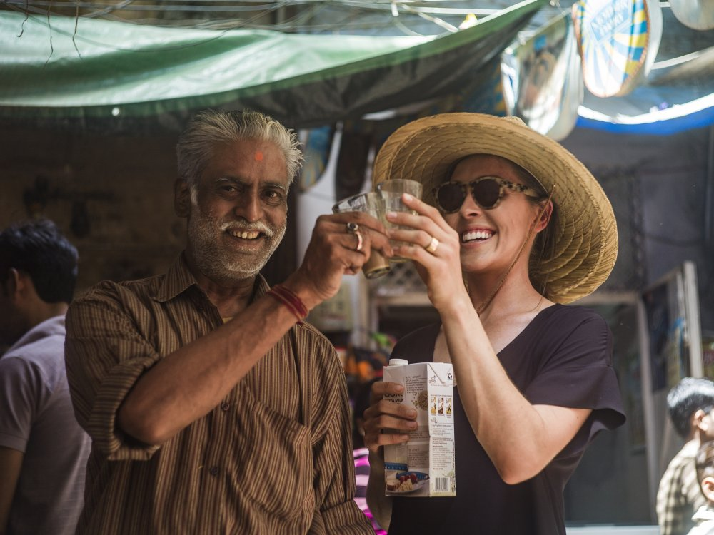 Intrepid Travel-India-Vegan-pax-street-drink