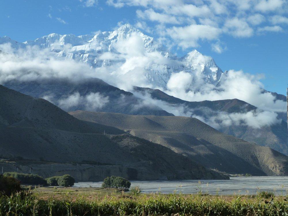 Hohe Gipfel und Berge in der Mustang Region