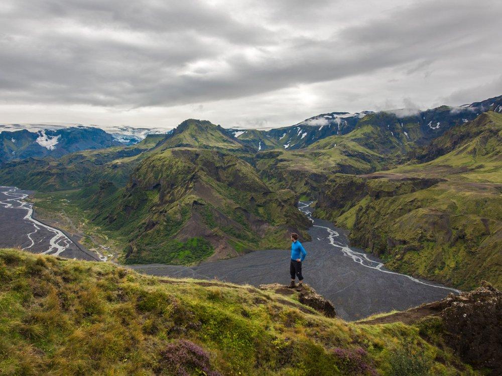 Wanderer auf dem Laugavegur Trek im Hochland von Island