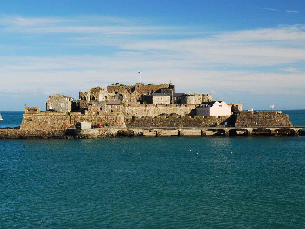 Wandern & Inselhüpfen Guernsey