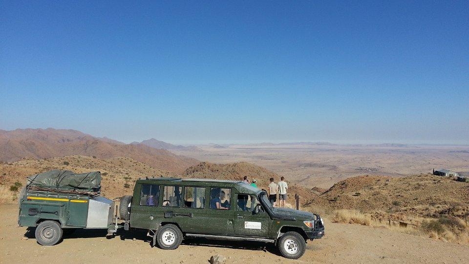 Allrad Safari Fahrzeug in Namibia