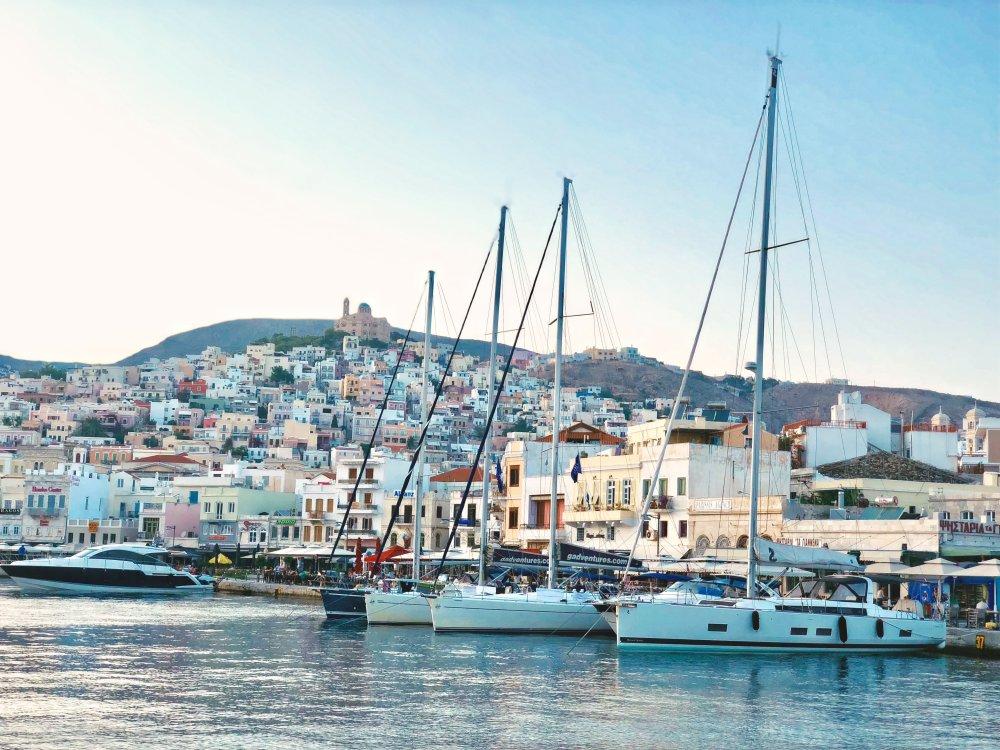 Yachthafen von Syros