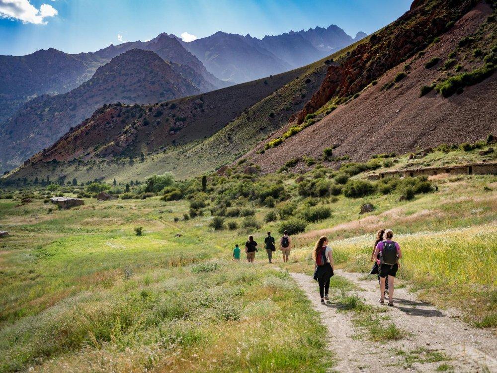 Iskanderkul Gebirge Wanderer