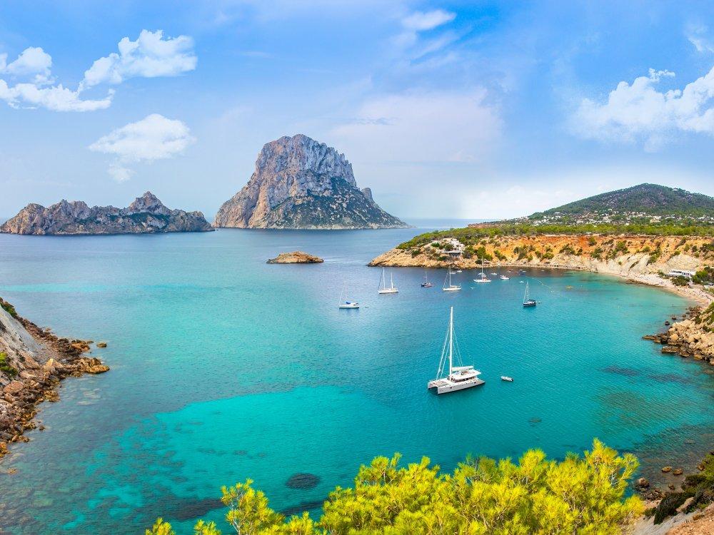 Idyllische Bucht auf Ibiza