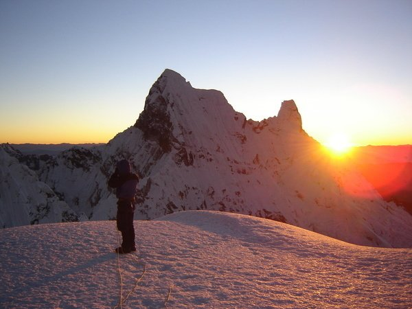 188P00024_188P00023_ActivePeru_Pisco_Gipfel bei Sonnenaufgang
