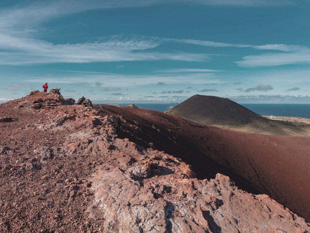 Wanderung am Krater Eldfell