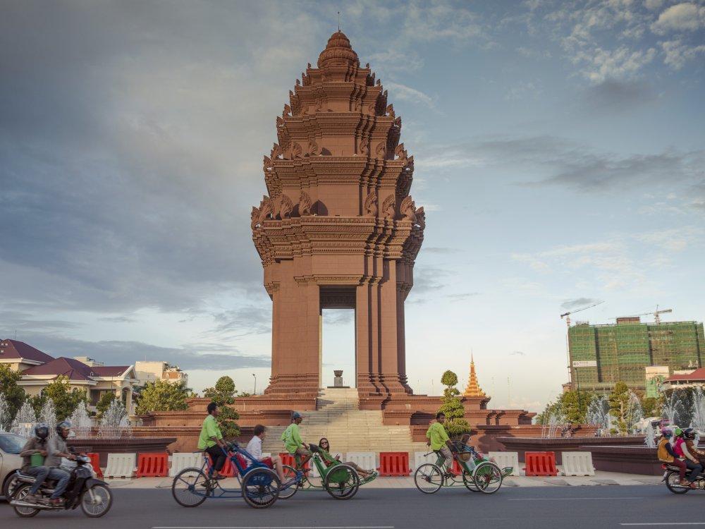 Phnom Penh Monument Cyclo Tour