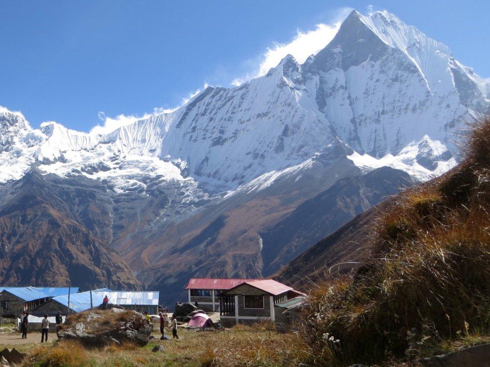 Unvergessliche Bergblicke vom Annapurna Basecamp.