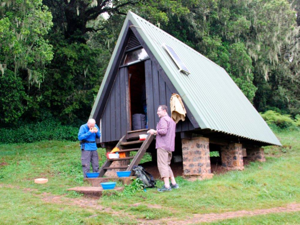 Stärkung an den Hütten auf der Marangu Route