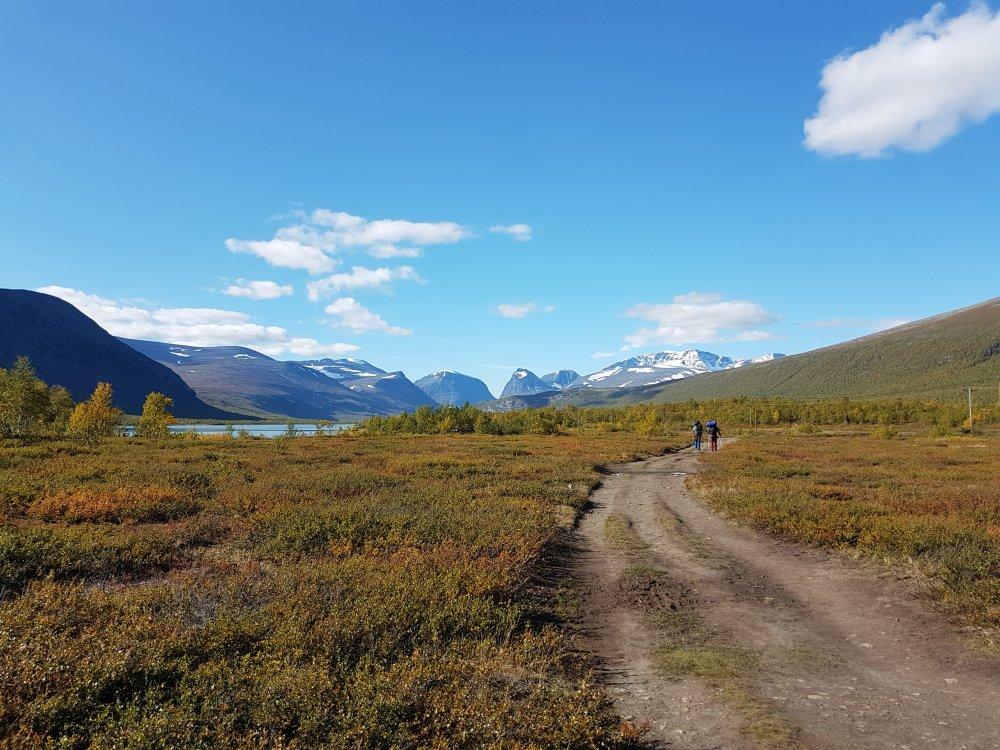 Bergwelt Arktis -  Fluss und Berge