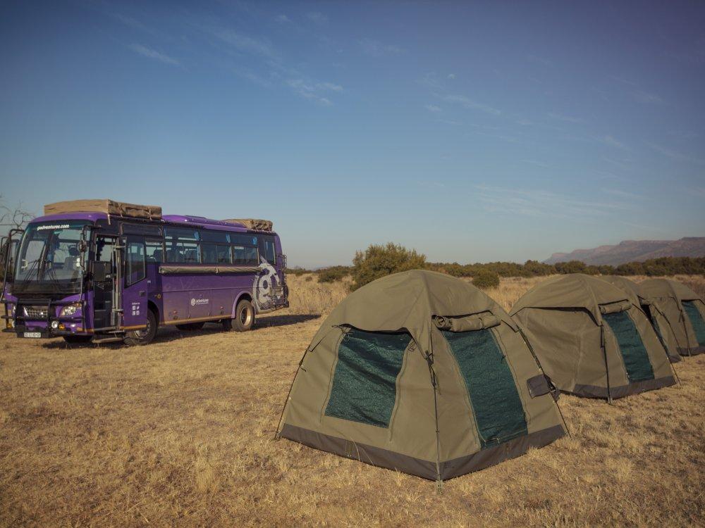 Camping Overlandtruck und Zelte