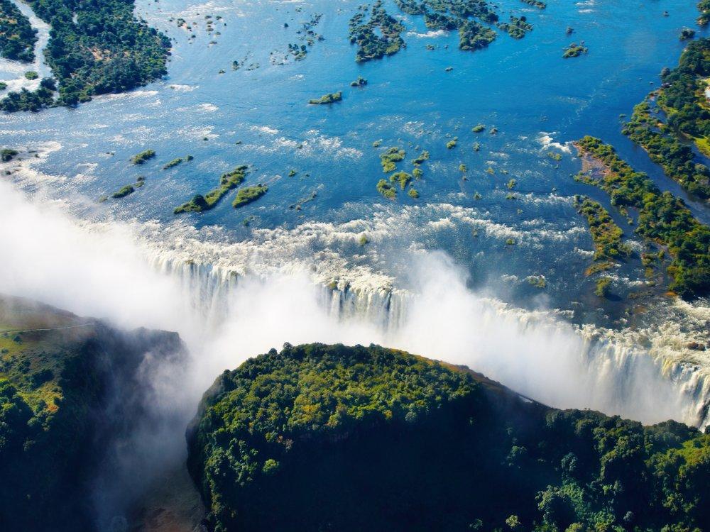 Herabstürzende Victoria Wasserfälle