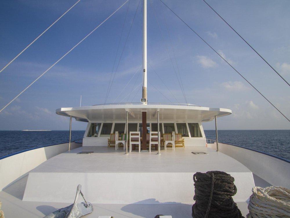 Malediven Inselhüpfen an Deck der Sea Farer Explorer