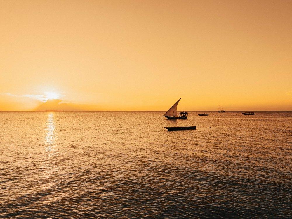 Sansibar - Dhow im Sonnenuntergang