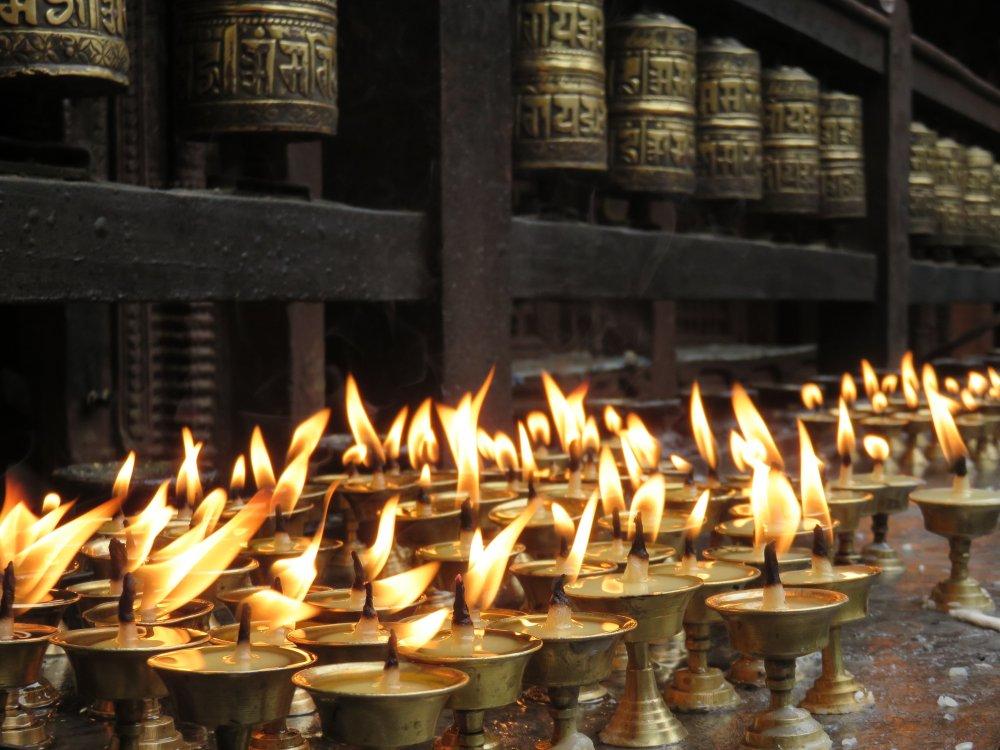 Kerzen in einem Tempel