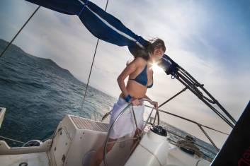 Segeln vor Naxos bei Sonnenuntergang