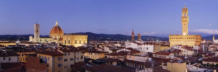 Skyline von Florenz in der Abenddämmerung
