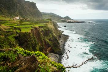 Küste auf der Insel Flores Azoren