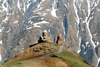 Gergeti Kirche im Kaukasus Gebirge
