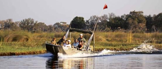 Bootsafari im Okavango Delta