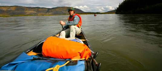 Kanuerlebnis für Familien auf dem Nisutlin River