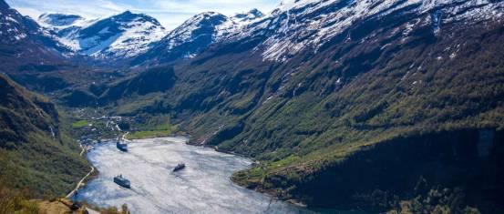 Norwegens Fjorde und Polarbären
