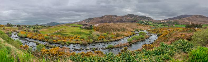 Panorama der schönen ländlichen irischen Landschaft im Kerry County