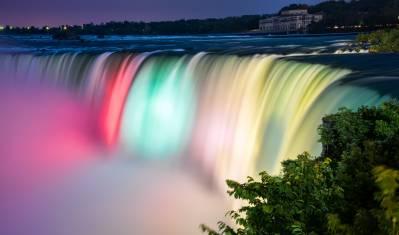 Beleuchtete Niagara Wasserfälle