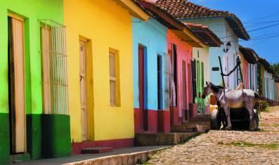 Trinidad bunte Häuser und Kopfsteinpflaster