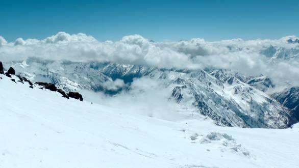 Traumhafte Ausblicke auf die Bergwelt im Elbrus