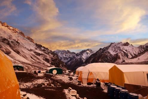 Sonnenuntergang am Camp Plaza de Mulas