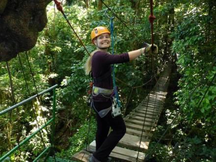 Höhenangst beim Ziplining in Costa Rica besiegt