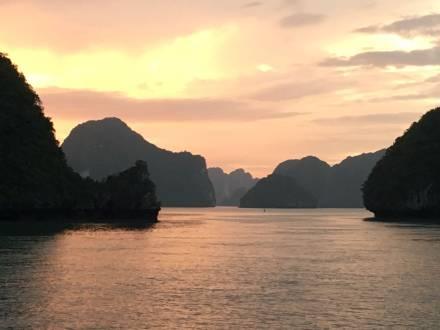 service_reiseberichte_vietnam-aktivreise-halong-bucht.jpg