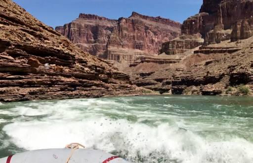 Rafting auf dem Colorado River quer durch den gewaltigen Canyon.