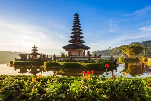 Bali - Eindrucksvoller Tempel am Bratan See