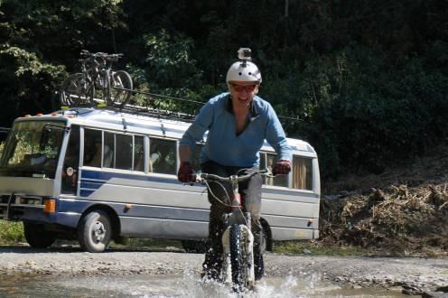 """Downhill-Fahrt auf der Todesstraße war ein """"Must do""""!"""