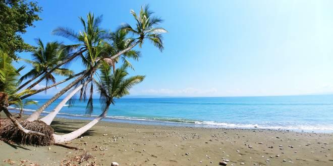 Einsamer Strand an der Pazifikküste