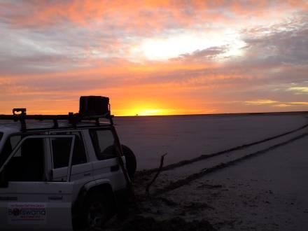 service_reiseberichte_botswana-simbabwe-rundreise-toyota-lodge-sonnenuntergang.jpg