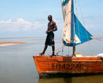 Traditionelle Dhow in Mosambik