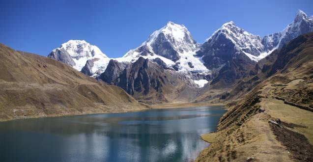 Cordillera Huayhuash - die Berge Siula und Yerupaja