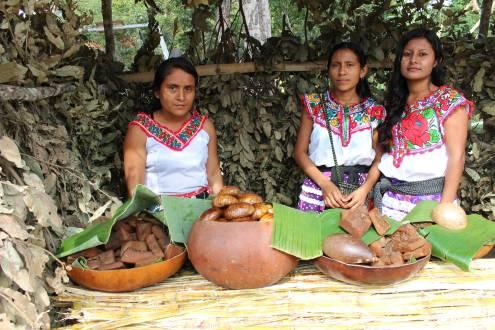 Frauen in traditioneller Kleidung in Oaxaca