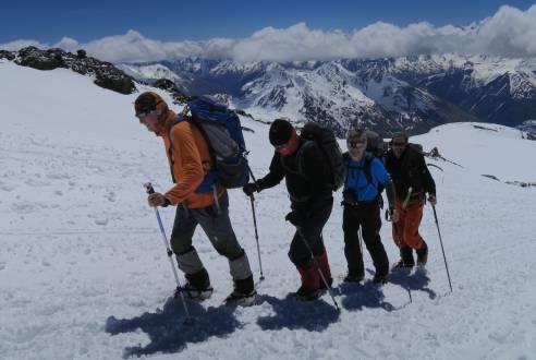 service_reiseberichte_elbrus-trekkingtour-elbrus-team.jpg
